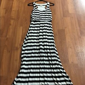 Nymphe Racerback Striped Maxi